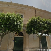 10 modica building '700 front entrance sicily