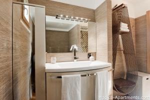 33 bathroom romeo modica sicily